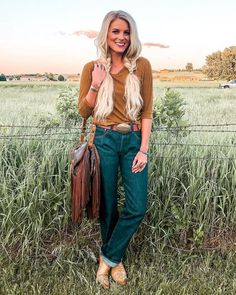 Rodeo look for the night✌ Ba Country Style Outfits, Country Fashion, Boho Fashion, Fashion Outfits, Country Western Outfits, Western Outfits Women, Texas Fashion, Southern Outfits, Cowgirl Fashion