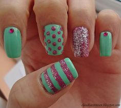 Pastel green and pink nails <3