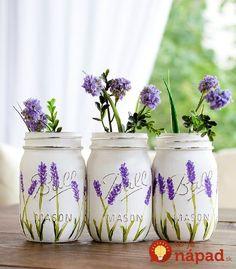 Painted and distressed mason jars. How to paint lavender flowers on mason jars tutorial. Mason Jar Projects, Mason Jar Crafts, Mason Jar Diy, Custom Mason Jars, Mason Jar Flowers, Flower Pots, Flower Pot Art, Distressed Mason Jars, Jar Art