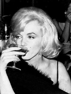 infinitemarilynmonroe — Marilyn Monroe at an Actor's Studio Benefit, 1961.