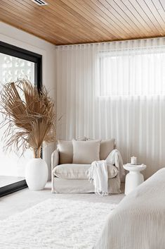 Living Tv, Living Rooms, Best Decor, Orange House, Interiors Online, Decoration Table, Decor Diy, Wall Decor, Interiores Design