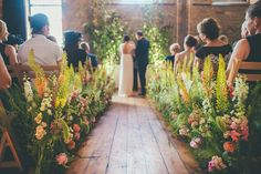 When a florist gets married...Rachel Husband of The Rose Shed | Flowerona