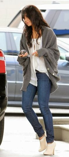 Casual Fall Outfit With Oversized Cardigan
