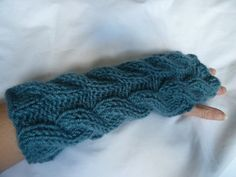 Gorgeous teal fingerless gloves from TWINKKNITS £22.00