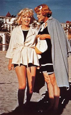 """Marilyn Monroe and Jack Lemmon on the set of """"Some Like it Hot"""""""