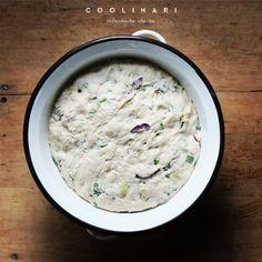 Cibuľový chlieb s medvedím cesnakom - Coolinári Cheeseburger Chowder, New Recipes, Soup, Blog, Basket, Blogging, Soups