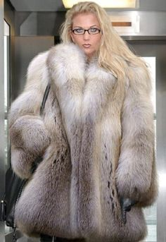 Fur Fashion, Womens Fashion, Fox Fur Coat, Fur Coats, Fabulous Fox, Female Supremacy, Great Women, White Fur, Fur Jacket