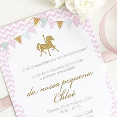 The invitations have been sent 🎀 It's time to take care of the last details! Styling and Party Concept @party.around #firstbirthday #carousel #kidspartydecor #festainfanil