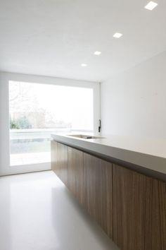 Kitchen inside House M & J by Belgian office Bruno Vanbesien Architects (Photo: Jo Pauwels)