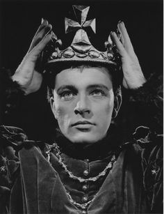 Richard Burton as Hal in Henry IV parts 1 and 2, Shakespeare Memorial Theatre, Stratford, 1951 Part One was directed by Anthony Quayle (who also played Falstaff) and Part Two by Michael Redgrave. Photo by Angus McBean