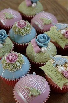 queenbee1924: Wedding Cupcakies via Weddings Then & Now