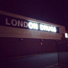 15+ Of The Worst Neon Sign Fails Ever   Bored Panda