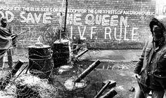 UDA barricades off Ainsworth Avenue. 04/07/72