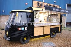 A quirky little van conversion, ready for service Catering Van, Catering Trailer, Food Truck Catering, Food Trucks, Pizza Vans, Mobile Business, Coffee Truck, Bakery Business, Coffee Shop Design