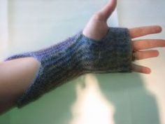 Free Knitting Pattern - Fingerless Gloves & Mitts: Garter Warmers