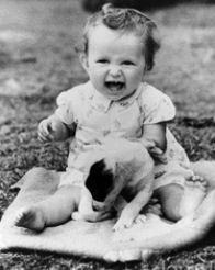 who is this cute little baby? recognize her?She is an American actress who has worked in theater, television, and film. She is regarded as one of the most talented actors of the modern era. Born: June 22, 1949 (age 63), Summit, NJ Spouse: Don Gummer (m. 1978)She is an American actress who has worked in theater, television, and film. She is regarded as one of the most talented actors of the modern era.   She is Meryl Streep