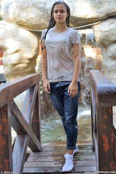 Female Portrait Poses, Girl Fashion Style, Indian Girls Images, Wet T Shirt, Beautiful Girl Photo, Girl Photography Poses, Sexy Outfits, Girl Photos, Soaking Wet