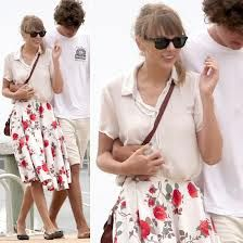Taylor Swift   floral skirt + loose blouse