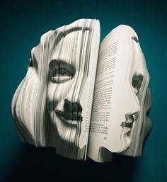 Ils ressuscitent de vieux livres et les transforment en délicates sculptures de papier