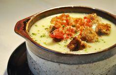 Pastinaken-Cremesuppe mit Vollkorn-Croutons