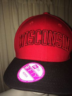 VICTORIA'S SECRET PINK WISCONSIN BADGERS COLLEGE BASEBALL NEW ERA HAT  #VICTORIASSECRET #BaseballCap
