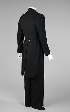 Evening suit b) House of Lanvin French Jeanne Lanvin, 1920s Mens Clothing, Mens Evening Wear, Morning Suits, Flapper, 20th Century Fashion, Mens Boots Fashion, Tuxedo For Men, Historical Clothing