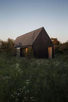 remash: summer house in gotland ~ jens enflo | dev architects
