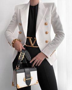 Fashion • Instagram Grown Women, Hermes Kelly, Instagram Fashion, Vogue, Classy, Elegant, Coat, Bags, Outfits
