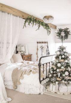 Winter Bedroom Decor, Cozy Bedroom, Room Decor Bedroom, Master Bedroom, Bedroom Crafts, Diy Ideas For Bedroom, Farmhouse Bedroom Decor, Farmhouse Christmas Decor, Looks Halloween