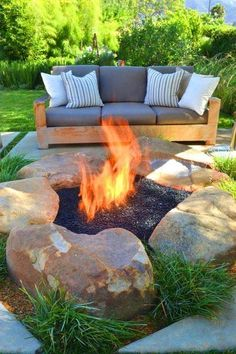 25 Rustic DIY Fire Pit, Backyard Projects and Garden Ideas Summer is here! So, it's a perfect time to create something awesome with these rustic DIY fire pit, backyard projects and garden ideas.
