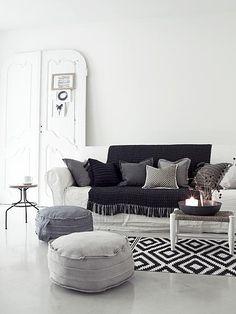 Living room #black #white #grey