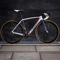 S-Works Tarmac set up Photo Credit: Bicycle Workout, Bicycle Race, Cycling Bikes, Road Cycling, Specialized Road Bikes, Mtb, Mens Toys, Old Bikes, Bike Style