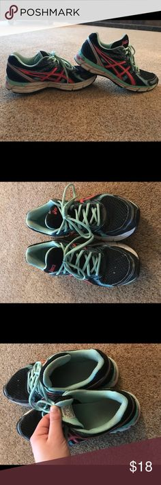 Asics women's size 9 This is a re-posh item! Didn't fit my foot exactly how I wanted so I'm just looking to get them out of my closet! Some paint marks on front of foot as you can see from the photos! Asics Shoes Athletic Shoes