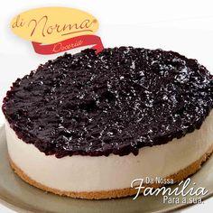 Sugestão para sobremesa da festa de final de ano? Cheesecake Cassis: Cheesecake com fina camada de biscoito e cobertura de geléia artesanal de cassis. #DiNorma #Feliz2016 #cake