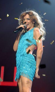 Kylie Minogue's Amazing Fashion Evolution | Look Melbourne, Kylie Minogue, Beautiful Celebrities, Beautiful Women, Hot Blonde Girls, Evolution Of Fashion, Robbie Williams, Victoria, Hot Blondes