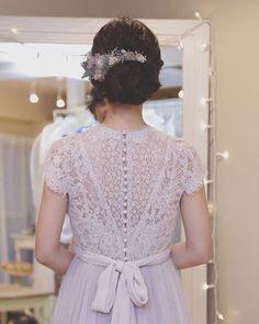 ナチュラル派は要チェック!メゾンスズのドレス試着画像*   marry[マリー] Weeding Dress, 2 Instagram, Wedding Hairstyles, Dream Wedding, Flower Girl Dresses, Whimsical Wedding, Lace, How To Wear, Inspiration