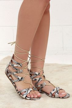 80a770cb94e3 River Valley Snakeskin Lace-Up Flat Sandals at Lulus.com! Lace Up Gladiator
