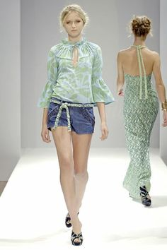 See the complete Allegra Hicks Spring 2008 Ready-to-Wear collection.