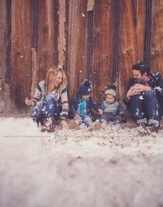 winter family photos | Wildflowers Photography