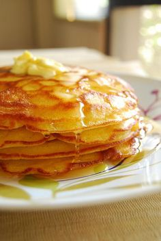 Ruth Reichl's Perfect (for me) Pancakes (from Gilt Taste) 1/2 cup butter, melted 1 cup of milk 2 large eggs 1 tablespoon vegetable oil 1 cup flour 4 teaspoons baking powder 4 teaspoons sugar 1 teaspoon salt Butter for the pan