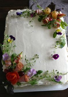 Tray, Cake, Desserts, Food, Decor, Tailgate Desserts, Deserts, Decoration, Kuchen