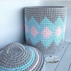 327 Likes 9 Comments Crochet Circle Pattern, Crochet Box, Crochet Basket Pattern, Crochet Circles, Knit Crochet, Crochet Patterns, Crochet Baskets, Crochet T Shirts, Crochet Decoration