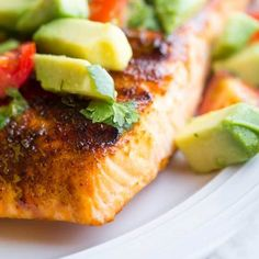 This simple grilled salmon has a brown sugar-chili rub, and is topped with a delicious avocado and cherry tomato salsa. Chicken Marinade Recipes, Salmon Recipes, Sauce Recipes, Cherry Tomato Salsa, Cherry Tomatoes, Great Vegetarian Meals, Salmon With Avocado Salsa, Honey Lime Chicken, Lime Quinoa