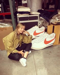 Finished off the day HQ's looking through Cortez archives, brainstorming the iconic future designs 🤓 Elegant and chic, it has… Maria Sarapova, Miss And Ms, Maria Sharapova Photos, Tennis Players Female, Tennis Match, Athlete, Nike, Elegant, Sports