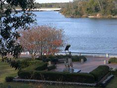 Savannah, GA : Waving Girl