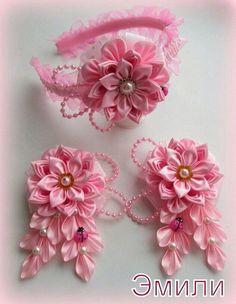 How to Make Ribbon Flower Kanzashi Ribbon Art, Diy Ribbon, Fabric Ribbon, Ribbon Crafts, Flower Crafts, Ribbon Flower, Cloth Flowers, Felt Flowers, Fabric Flowers