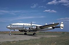 Lockheed Constellation at Jan Smuts Aircraft Maintenance Manual, Aviation Center, Airline Cabin Crew, South African Air Force, Aviation World, Airplane Photography, Passenger Aircraft, Aircraft Painting, Aircraft Photos