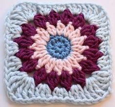 Pocket Full of Posies Square | AllFreeCrochetAfghanPatterns.com