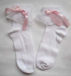 wear frilly socks and feel like a baby princess  via My Darling Rainbow http://mydarlingrainbow.tumblr.com/