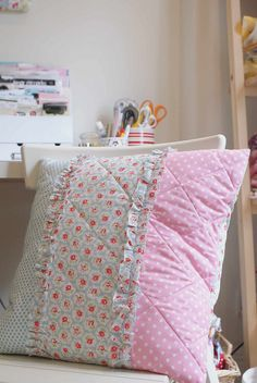 Sweet quilted cushion |  Jessie Fincham via Flickr